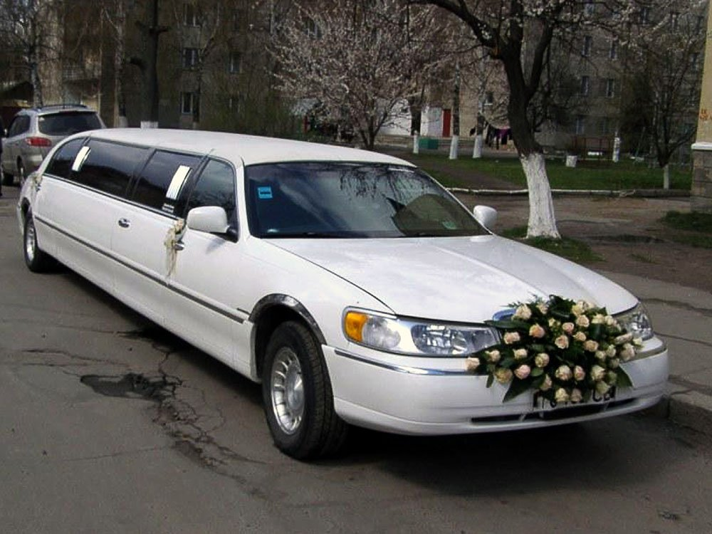 Lincoln Town Car белый Limo фото 1